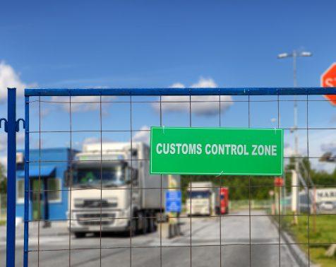 Aduanas y cumplimiento legal - Foto 1