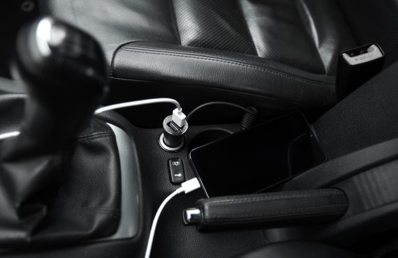 mobile phone, smartphone charge battery, charging in the car